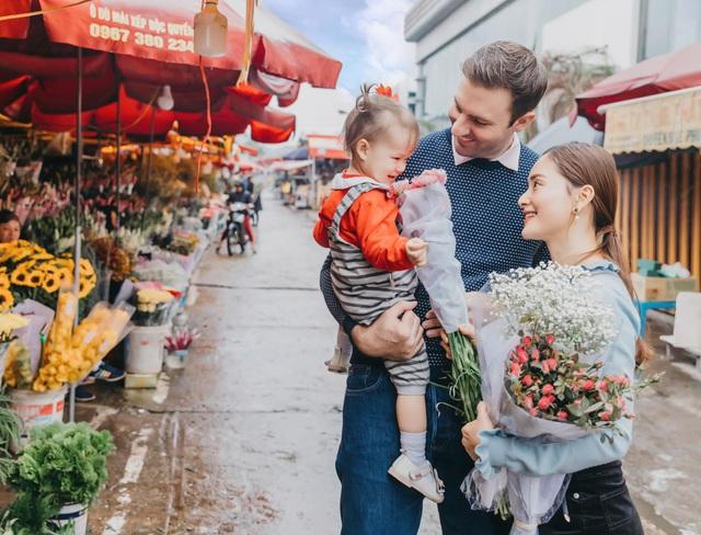 Lan Phương khoe ảnh gia đình hạnh phúc, cuộc sống hôn nhân viên mãn - Ảnh 4.