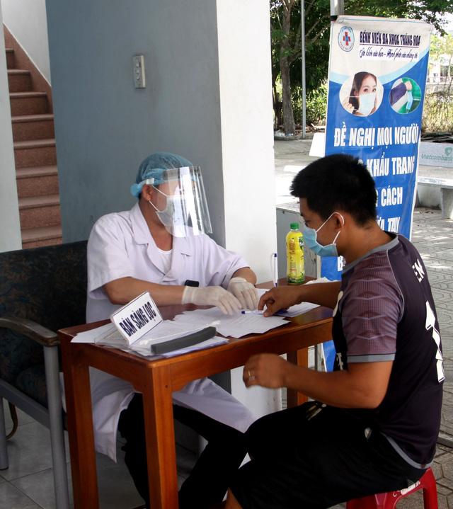 Số ca bệnh tăng nhanh, Quảng Nam quyết liệt ngăn chặn COVID-19 - Ảnh 1.