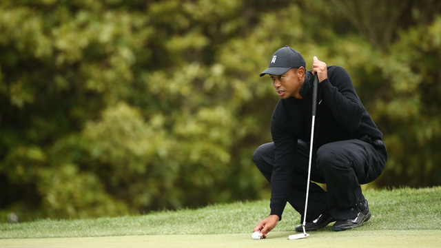 Điểm nhấn vòng 1 PGA Championship 2020: Tiger Woods khởi đầu mạnh mẽ, Dechambeau làm gãy gậy - Ảnh 2.