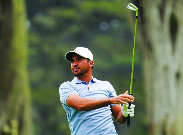 Điểm nhấn vòng 1 PGA Championship 2020: Tiger Woods khởi đầu mạnh mẽ, Dechambeau làm gãy gậy - Ảnh 4.