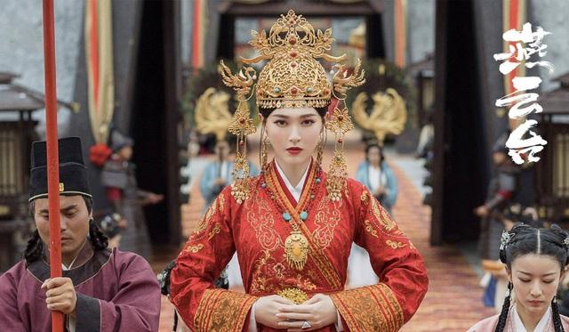 Top 10 sao quyền lực mạng Trung Quốc: Dương Mịch - Triệu Lệ Dĩnh dẫn đầu, người thứ 3 gây bất ngờ - Ảnh 10.
