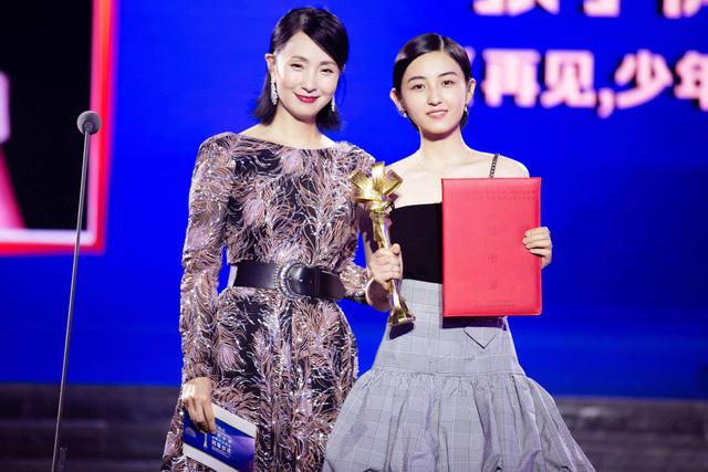 Top 10 sao quyền lực mạng Trung Quốc: Dương Mịch - Triệu Lệ Dĩnh dẫn đầu, người thứ 3 gây bất ngờ - Ảnh 8.