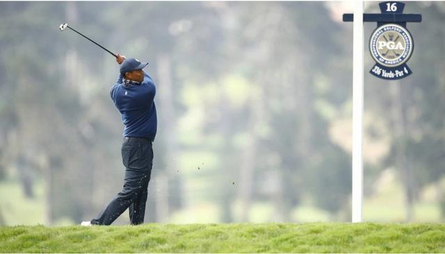 Điểm nhấn vòng 1 PGA Championship 2020: Tiger Woods khởi đầu mạnh mẽ, Dechambeau làm gãy gậy - Ảnh 3.