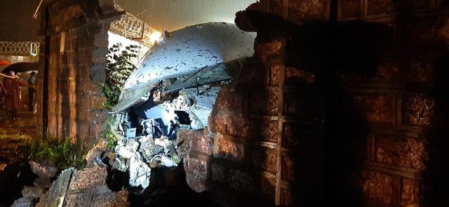 Tai nạn máy bay chở người hồi hương tại Ấn Độ, ít nhất 16 người thiệt mạng - Ảnh 2.