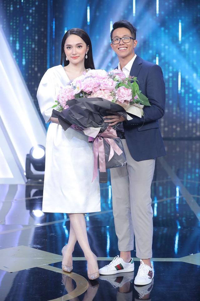 Hương Giang khoe ảnh hạnh phúc bên CEO người Singapore - Ảnh 4.