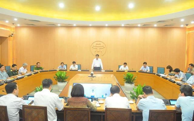 Chủ tịch Hà Nội: Chạy đua với thời gian, bình tĩnh xử lý dứt điểm từng điểm dịch - Ảnh 1.