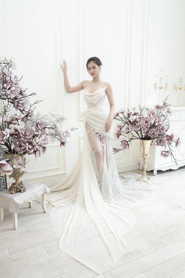 Dàn người đẹp diện váy cưới trong đêm nhạc Đà Nẵng - Quảng Nam triệu con tim hướng về - Ảnh 6.