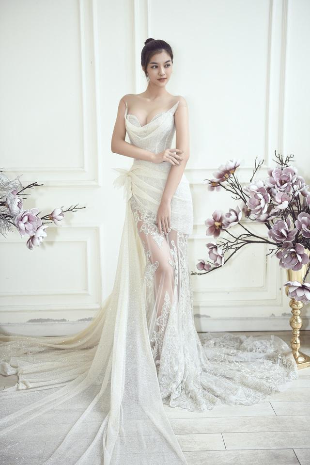 Dàn người đẹp diện váy cưới trong đêm nhạc Đà Nẵng - Quảng Nam triệu con tim hướng về - Ảnh 10.