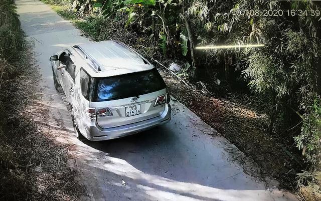Bắt xe chở 6 khách từ Đà Nẵng ra Huế trốn kiểm dịch y tế - ảnh 2