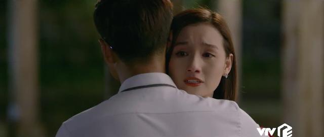 Tình yêu và tham vọng - Tập 52: Nuốt nước mắt vào trong, Tuệ Lâm ra đi không một lời từ biệt Minh - Ảnh 15.