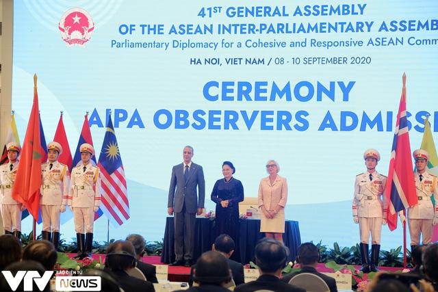 Bế mạc Đại hội đồng AIPA 41 tại Việt Nam, chuyển giao vai trò Chủ tịch cho Brunei - Ảnh 4.