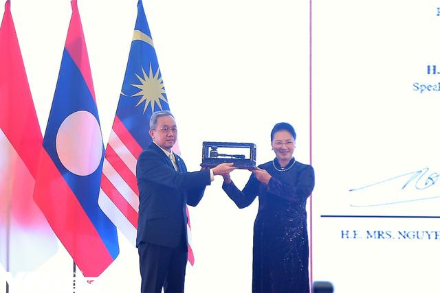 Bế mạc Đại hội đồng AIPA 41 tại Việt Nam, chuyển giao vai trò Chủ tịch cho Brunei - Ảnh 7.