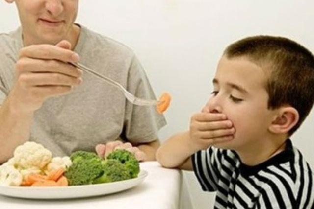 Tư vấn trực tuyến: Giải pháp và thực đơn toàn diện điều trị trẻ biếng ăn, suy dinh dưỡng - Ảnh 1.