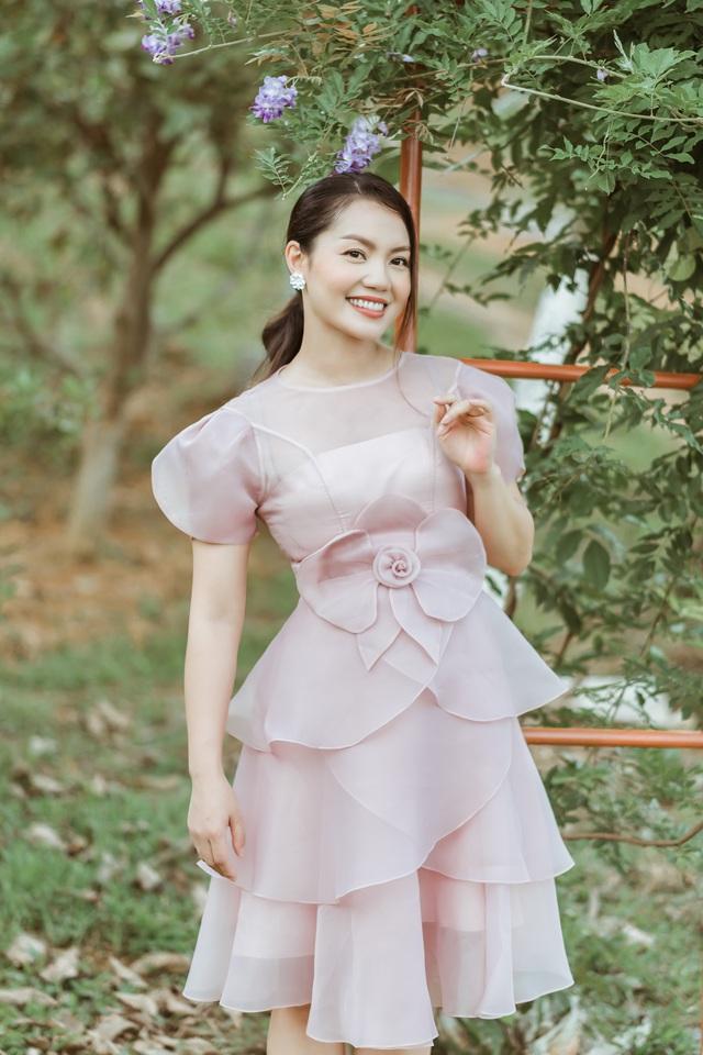 Ca sĩ Nguyễn Ngọc Anh công khai chồng mới và biệt thự sang trọng - Ảnh 4.