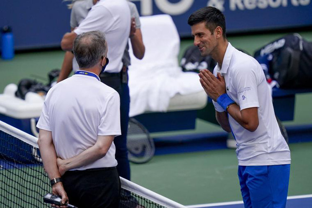 HLV Goran Ivanisevic đòi công lý cho Novak Djokovic - Ảnh 1.