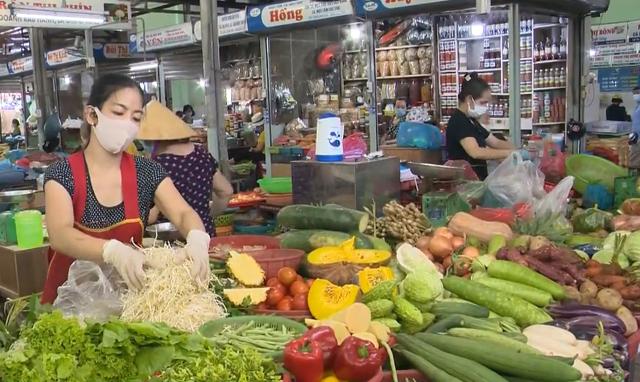 Chợ, siêu thị cam kết phòng chống dịch COVID-19 trong điều kiện mới - Ảnh 1.
