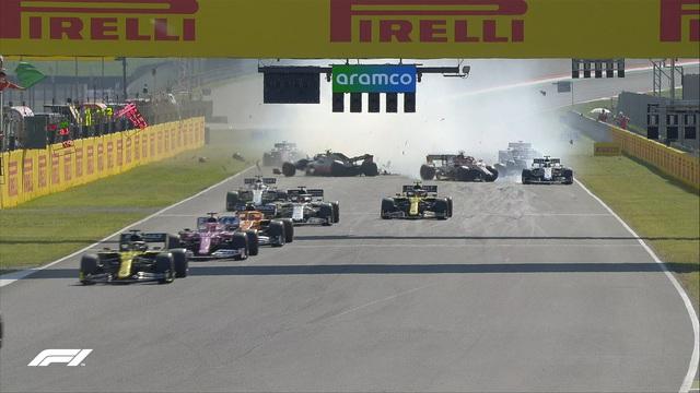 Đua xe F1: Lewis Hamilton giành chiến thắng tại GP Tuscany - Ảnh 1.