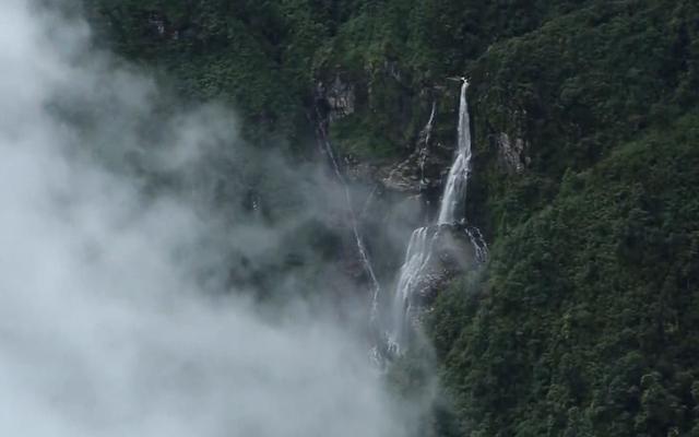 Ngẩn ngơ trước vẻ đẹp của núi rừng Tây Bắc từ trên cao - ảnh 5