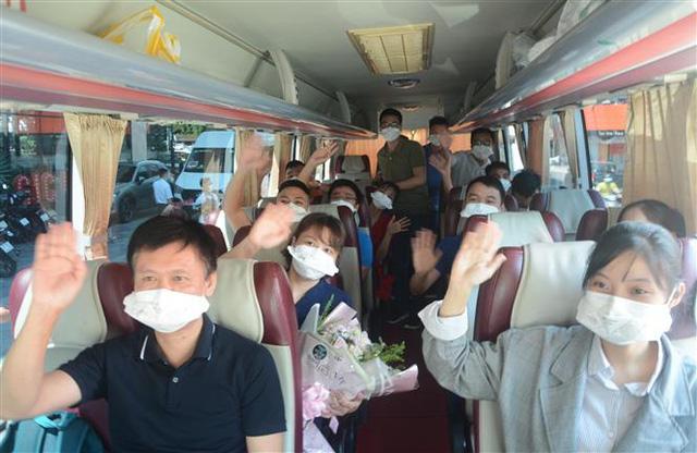 Đà Nẵng chia tay các Đoàn y, bác sĩ cuối cùng hỗ trợ phòng chống dịch COVID-19 - Ảnh 1.