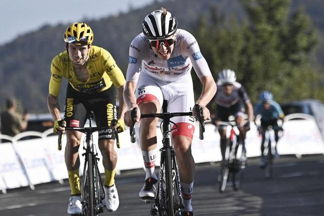 Chặng 15 Tour de France: Tadej Pogacar giành chiến thắng ngoạn mục - Ảnh 2.