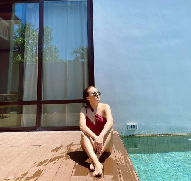 Bảo Thanh diện bikini cực gợi cảm qua góc máy của chồng - ảnh 2