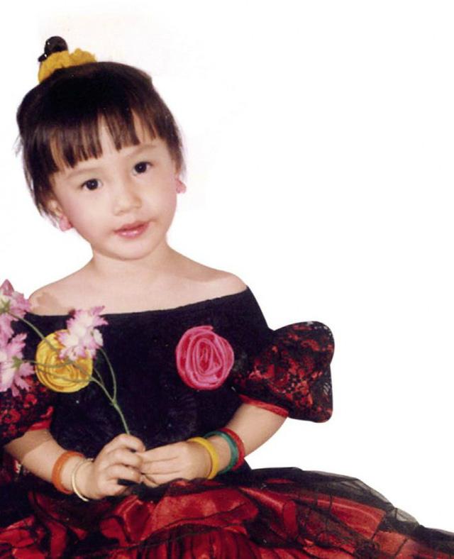 Loạt ảnh Diễm My 9x thời bé đóng phim chung với nhiều diễn viên nổi tiếng - ảnh 1