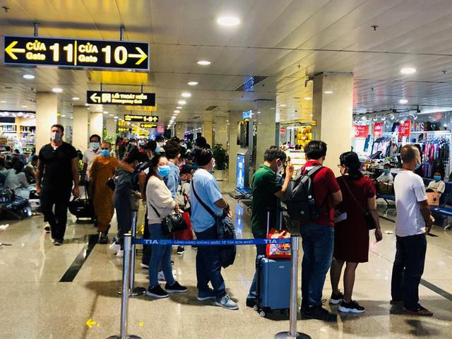 Hàng không nội địa dồn dập tăng chuyến - ảnh 1