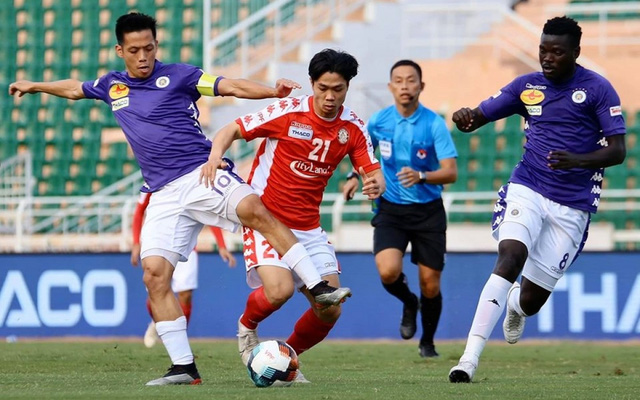 Trận CLB Hà Nội - CLB TP HCM diễn ra trên sân không khán giả - Ảnh 2.