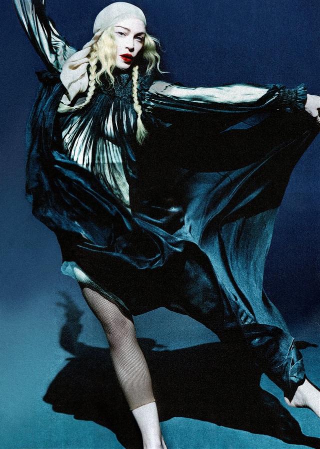 Madonna sẽ tự đạo diễn phim tiểu sử về mình - Ảnh 1.
