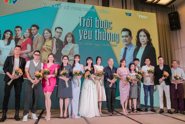 Vợ chồng Tú Vi - Văn Anh tái hợp trong phim mới trên VTV3 - Ảnh 5.