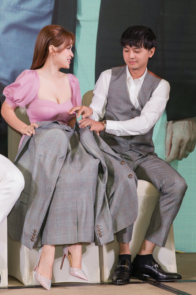 Vợ chồng Tú Vi - Văn Anh tái hợp trong phim mới trên VTV3 - Ảnh 7.