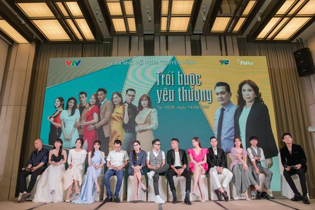 Vợ chồng Tú Vi - Văn Anh tái hợp trong phim mới trên VTV3 - Ảnh 9.