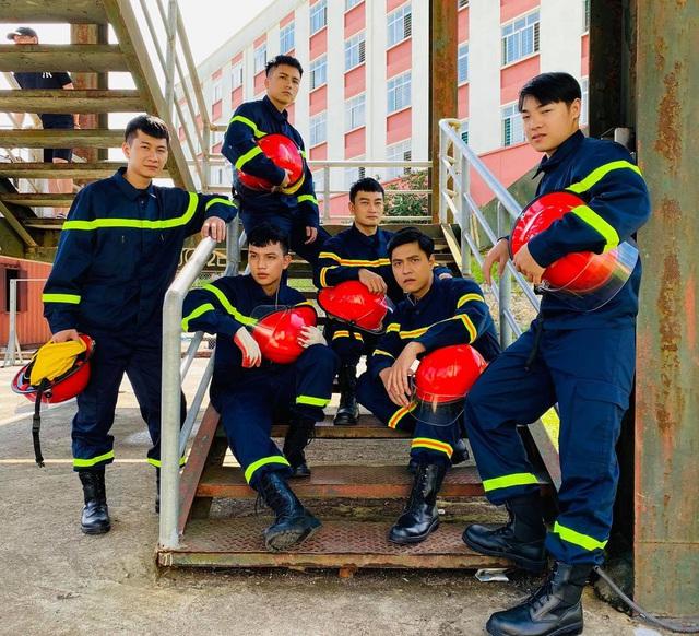 Lộ diện dàn lính cứu hỏa cực soái ca trong phim mới của VFC - ảnh 11