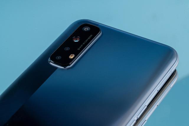 Cận cảnh Realme 7: Smartphone đầu tiên trên thế giới chạy Helio G95 - Ảnh 3.