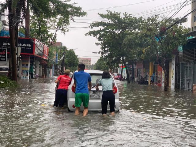 Đêm 19/9, khu vực Bắc Bộ, Thanh Hóa, Nghệ An mưa to - Ảnh 1.