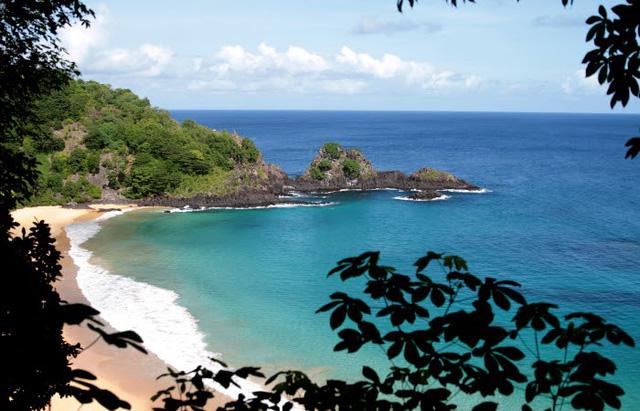 Lạ lùng, quần đảo chỉ đón du khách đã từng nhiễm COVID-19 - ảnh 1