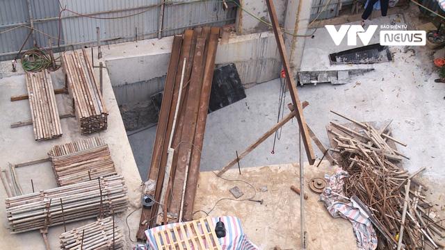 Công trình nhà dân có 4 tầng hầm ở Hà Nội: Cấp phép theo tiêu chuẩn bị hủy bỏ từ 16 năm trước? - Ảnh 5.