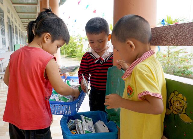 Bình Định tích cực với các công tác triển khai sữa học đường trong năm học mới - Ảnh 2.
