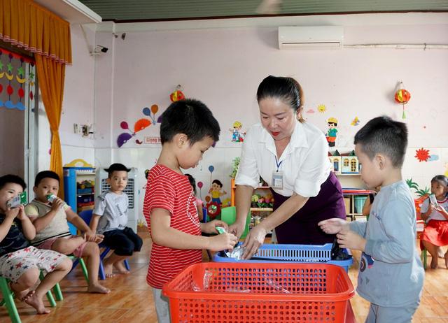 Bình Định tích cực với các công tác triển khai sữa học đường trong năm học mới - Ảnh 3.