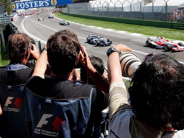 Trường đua Imola cho phép khán giả được theo dõi chặng đua F1 - Ảnh 1.