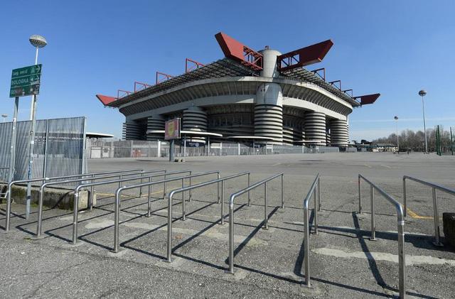 Một số khu vực của Italia đồng ý để người hâm mộ trở lại sân - Ảnh 1.