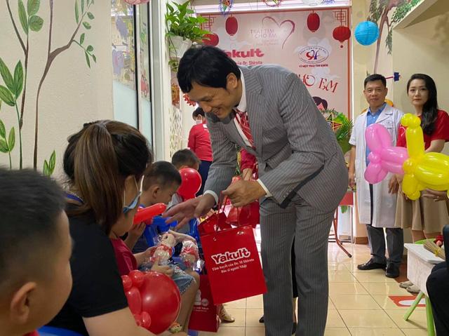 Quỹ Tấm lòng Việt cùng đơn vị thiện nguyện tổ chức Trung thu cho em cho các bệnh nhi tim bẩm sinh - Ảnh 4.
