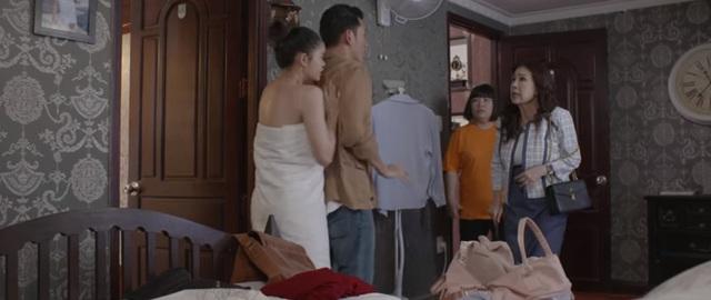 Trói buộc yêu thương - Tập 1: Xông vào phòng ngủ, mẹ phát hiện cảnh nóng của con trai với bạn gái - Ảnh 2.