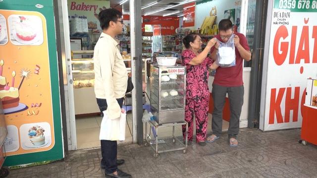 Sitcom Khu dân cư rắc rối: Chuyện an toàn thực phẩm khiến các bà nội chợ sốt xình xịch - ảnh 2