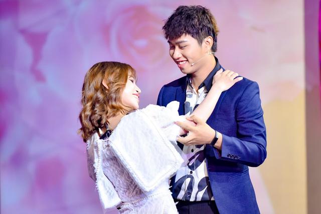 Mẹ đơn thân bất ngờ được cầu hôn trong tập mở màn Chân ái - Ảnh 7.