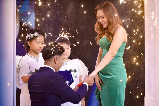 Mẹ đơn thân bất ngờ được cầu hôn trong tập mở màn Chân ái - Ảnh 10.