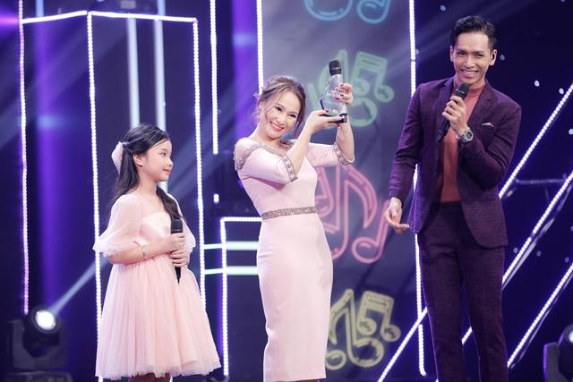 2 lần phẫu thuật dây thanh quản, vợ cũ MC Thành Trung bất ngờ trở lại sân khấu với con gái - Ảnh 8.
