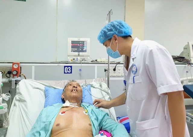 Cứu bệnh nhân nhồi máu cơ tim cấp biến chứng sốc tim, ngừng tuần hoàn - Ảnh 1.