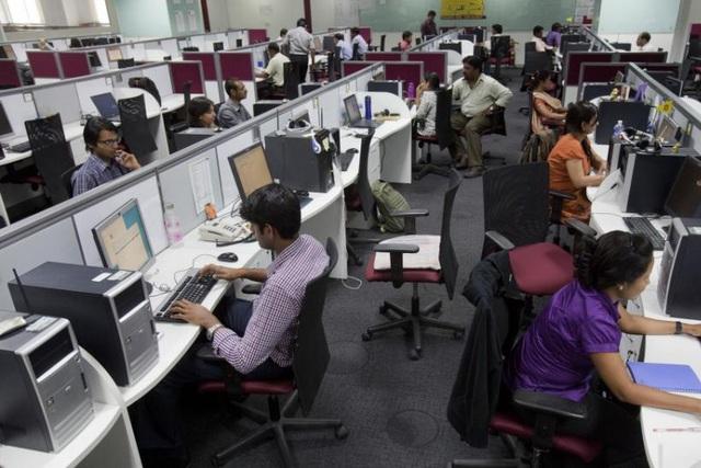 """Kinh tế suy giảm, Ấn Độ đối mặt bài toán """"chảy máu chất xám"""" - Ảnh 1."""