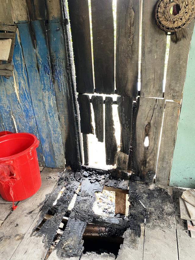 Truy tìm kẻ phóng hỏa đốt nhà, bỏ thuốc trừ sâu vào lu nước - Ảnh 1.